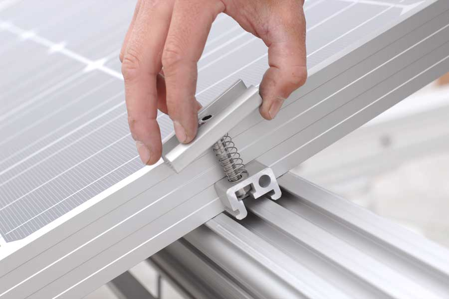 Produktion PV-Montagesystem DICONAL®