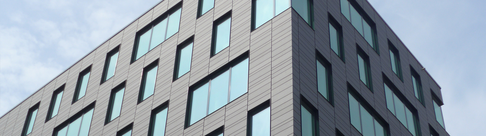 Architecture with powdercoated windows